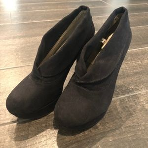 Sexy ankle booties!